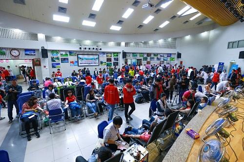 Hơn 10.000 người tham gia hiến máu tại Hà Nội