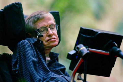 Stephen Hawking qua đời ở tuổi 76 sau 55 năm chống chọi với chứng xơ cứng teo cơ một bên. Ảnh: Thehindu.