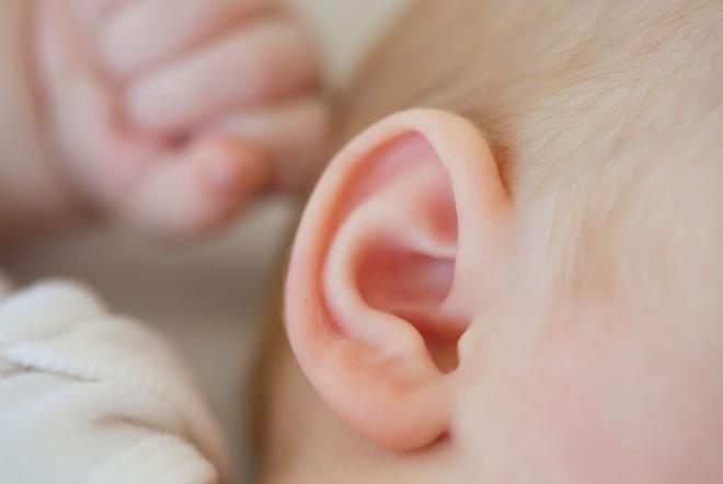 Phòng trị viêm tai giữa cho trẻ nhỏ