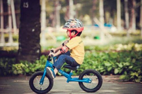 Xe thăng bằng giúp trẻ dễ vận động và tự tin