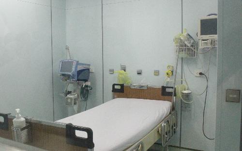 Phòng cách ly áp lực âm tại Khoa Nhiễm D, Bệnh viện Bệnh Nhiệt đới TP HCM. Ảnh: Lê Phương.