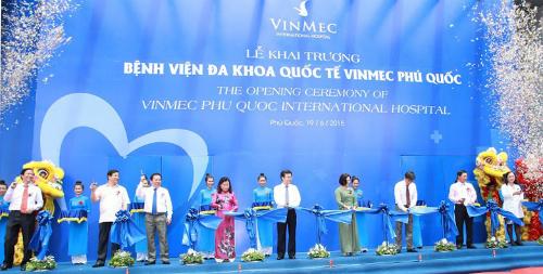 Lễ cắt băng khánh thành Bệnh viện Đa khoa Quốc tế Vinmec Phú Quốc.
