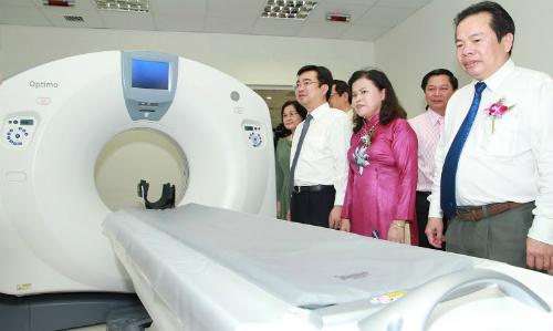 Lãnh đạo Bộ Y tế, Lãnh đạo tỉnh Kiên Giang tham quan Bệnh viện Đa khoa Quốc tế Vinmec Phú Quốc.