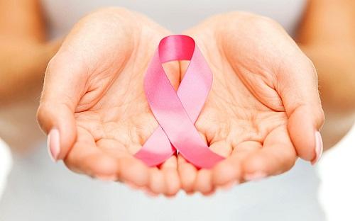 Thêm kiến thức về ung thư sẽ giúp bạn vững vàng hơn trong cuộc chiến chốn căn bệnh nguy hiểm này. Ảnh minh họa: Telegraph