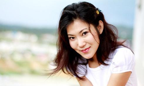 Kinh nghiệm dùng dầu dừa giữ vẻ đẹp sau thai kỳ của Kim Phượng