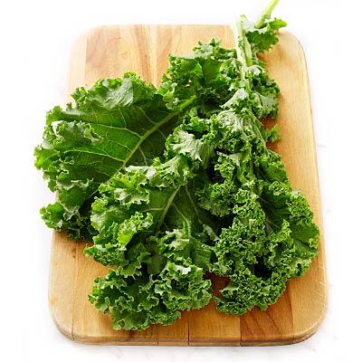 easy kale recipes 400x400 9027 1437466902 Thực hư cải xoăn chứa độc chất nguy hiểm nhahanghanoi.vn