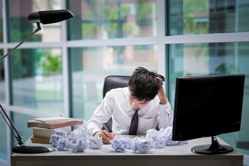 Người lao động trí óc là đối tượng dễ bịstress mãn tính.
