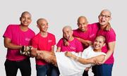 5 chàng trai hy sinh mái tóc ủng hộ bệnh nhân ung thư vú