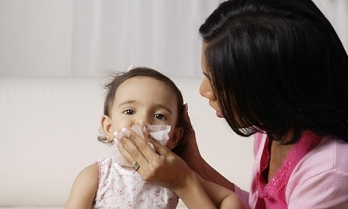 Cẩn trọng với bệnh viêm mũi dị ứng ở trẻ