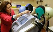 Mũ chống rụng tóc cho bệnh nhân ung thư được phép lưu hành