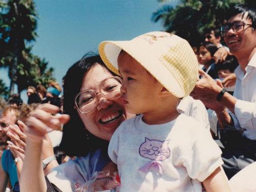 Nỗi đau của bác sĩ Mỹ gốc Việt mất mẹ vì ung thư