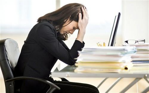 Căng thẳng khiến các triệu chứng cảm nặng thêm. Ảnh: telegraph.co.uk.