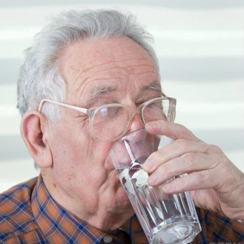 Cách detox cơ thể dành riêng cho người lớn tuổi