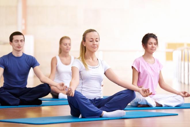 yoga-giup-giam-mun-trung-ca