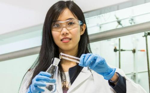 Thiếu nữ tìm ra cách ngăn siêu vi khuẩn kháng thuốc - ảnh 1
