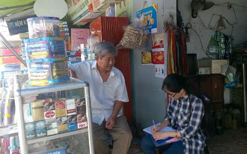 Vãng gia truyền thông và điều tra cộng đồng tại ổ dịch do virus Zika quận 9. Ảnh: D.P