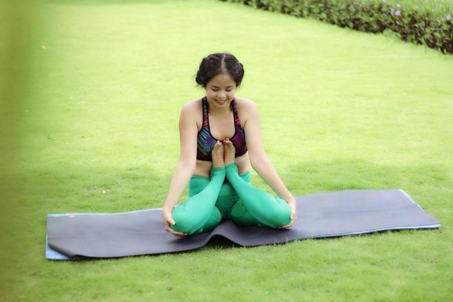 Bà mẹ 35 tuổi trẻ đẹp nhờ tập yoga