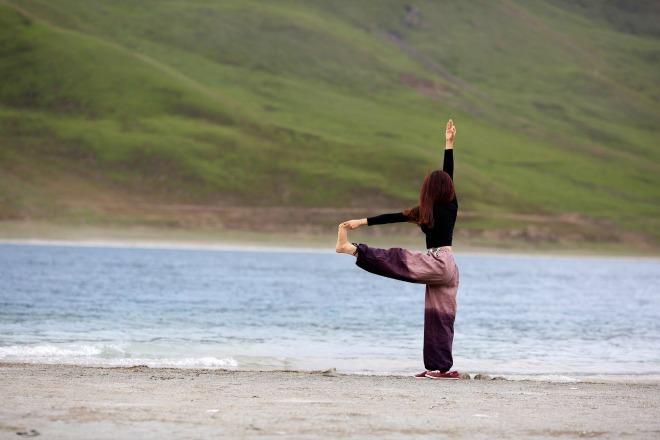 yoga-1478837319_660x0.jpg