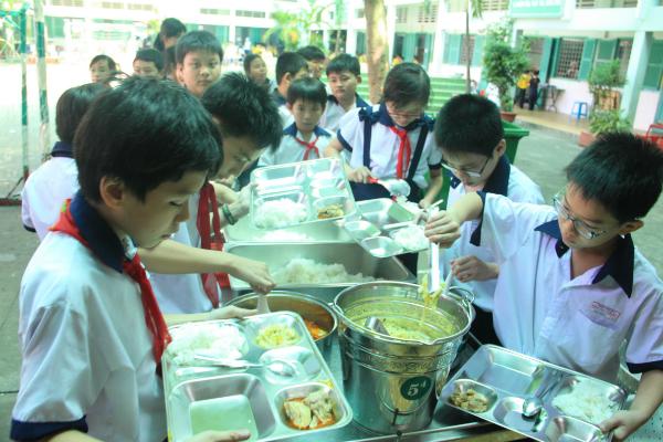 Kết quả khảo sát tại 27 trường ở Đà Nẵng, 42 trường của TP HCM được triển khai cho thấy, 97% học sinh đã ăn đa dạng thực phẩm, 59% trẻ hình thành thói quen ăn nhiều rau củ tốt cho sức khỏe.