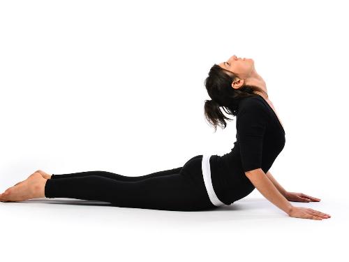 2 tư thế Yoga chống lão hóa cơ bản dành cho người mới bắt đầu