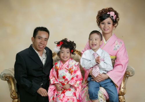 nguoi-em-trong-cap-song-sinh-dinh-lien-viet-duc-tro-thanh-giao-su-tai-nhat-ban-2