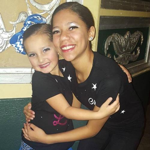 Bé gái 6 tuổi vôn có năng khiếu về nhảy múa. Ảnh: Independent.