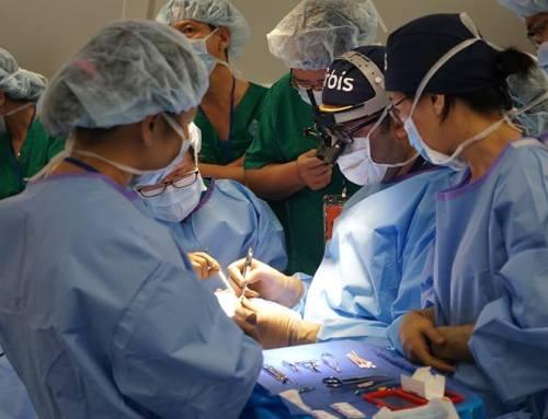 Các bác sĩ Bệnh viện Orbis