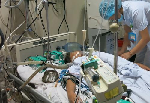 Bệnh nhân nguy kịch trong vụ Hòa Bình không thể chuyển viện về Hà Nội