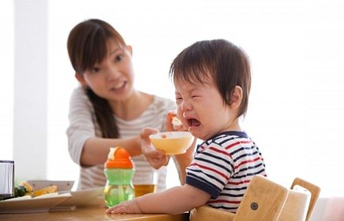 Image result for trẻ chậm tăng trưởng