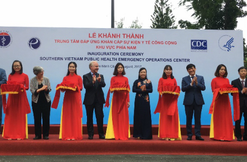 lap-trung-tam-dap-ung-khan-cap-su-kien-y-te-cong-cong