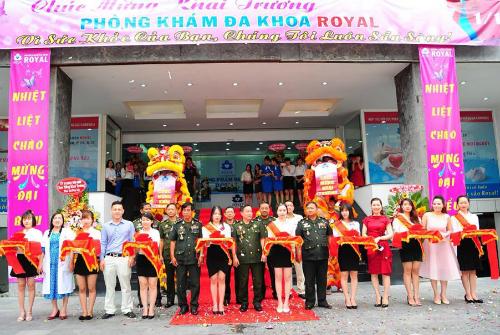 Phòng khám được quảng cáo là hợp tác với Bộ quốc phòng quân đội hoàng gia Cambodia.