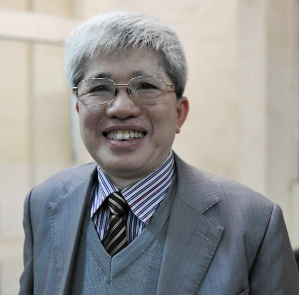 Giáo sư, tiến sĩ Nguyễn Đình Cử, nguyên là Viện trưởng Dân số và các vấn đề xã hội, Đại học Kinh tế quốc dân