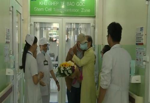 Bệnh nhân trong giờ phút xuất viện. Ảnh: H.H