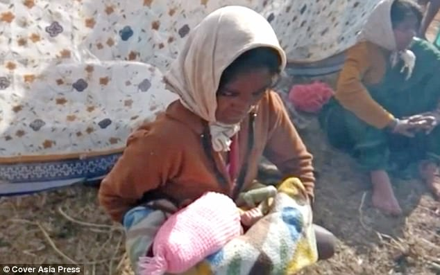 Devi sinh con khoẻ manhj sau khi bác sĩ nói thai nhi đã chết. Ảnh: CAP.