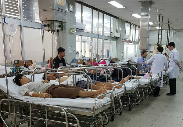 Bệnh nhân cấp cứu tại Bệnh viện Chợ Rẫy. Ảnh: L.P