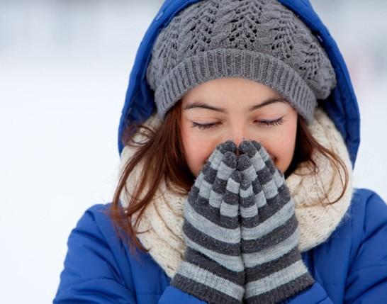 Cách phòng tránh nhiễm lạnh cóng trong thời tiết lạnh.