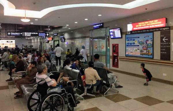 Thông báo truyền hình trực tiếp tại Bệnh viện Đại học Y dược TP HCM.