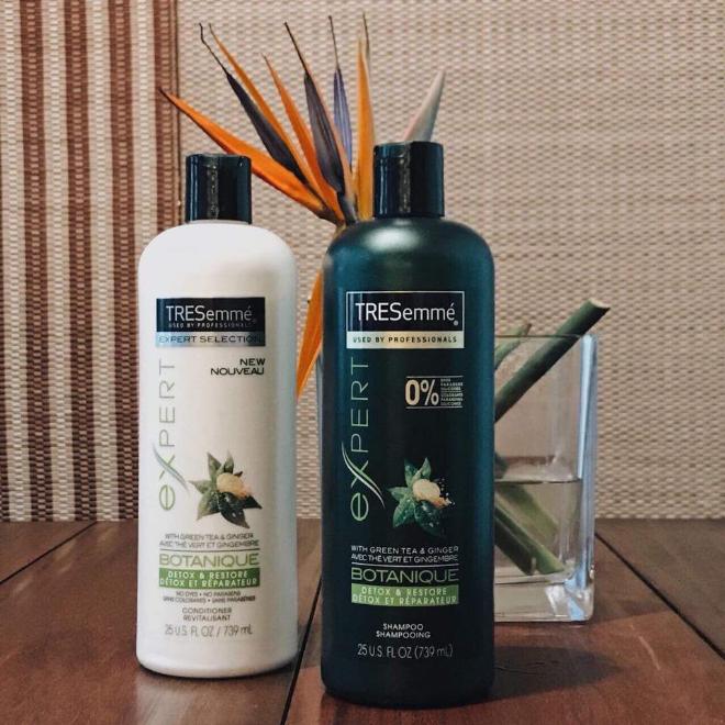 Bộ dầu gội và xảTRESemmé Salon Detox giúp chị em sở hữu mái tóc khỏe, đẹp.