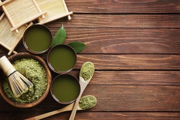 Chiết xuất trà xanh giúpngăn chặn vi khuẩn, nấm đầu nên giảm gàu và kháng khuẩn cho da.