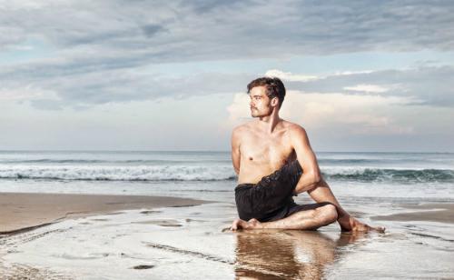 Tập yoga giúp đàn ông cải thiện đời sống tình dục. Ảnh:naturalhealthcourses.