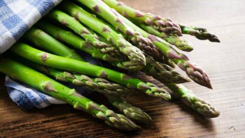 Chấtasparagine trong măng tây bị nghi kích thích ung thư phát triển. Ảnh: BBC.