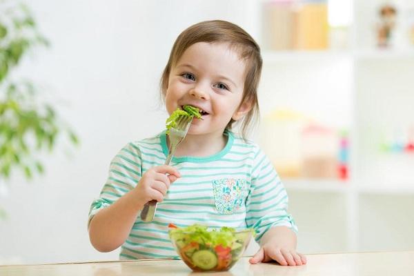 7 lưu ý dinh dưỡng cho bé ngày Tết mẹ nào cũng cần biết - ảnh 1