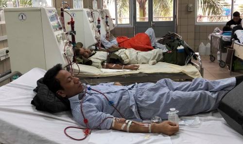 Cả bệnh viện đi làm ngày Tết để 'chia việc' với khoa cấp cứu - ảnh 1