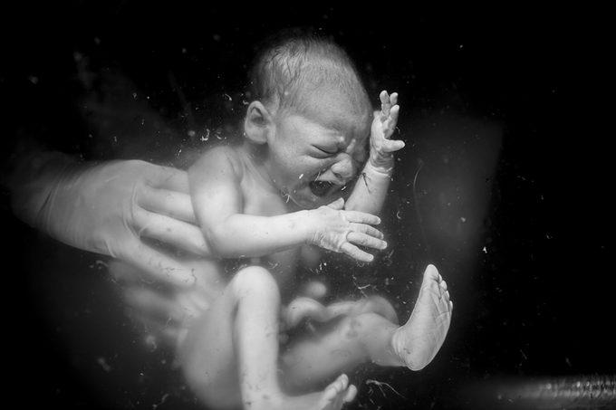 Những bức ảnh sinh nở ấn tượng nhất thế giới