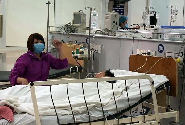 Một trường hợp cấp cứu tại Trung tâm Chống độc, Bệnh viện Bạch Mai. Ảnh; N.P.