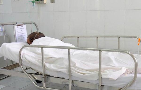 Bệnh nhân trong phóng săn sóc đặc biệt. Ảnh: Lê Phương.