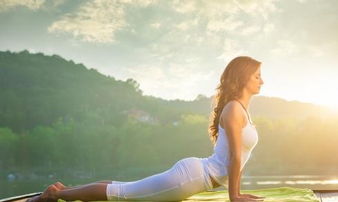 bai-yoga-giup-ban-day-nang-luong-cho-ngay-moi
