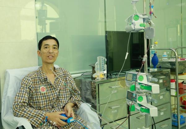 Ngày thứ 16 sau khi ghép phổi, bệnh nhân đã có thể tự thở, đi lại trong phòng. Ảnh: Bệnh viện cung cấp.