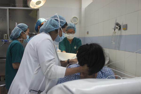 Trẻ sinh thường có tỷ lệ gãy xương đòn cao hơn trẻ sinh mổ. Ảnh minh hoạ: Lê Phương.