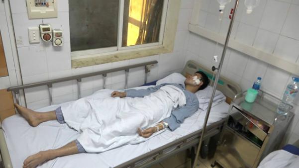 Chiến sĩ Nguyễn Tuấn Anh đang được điều trị tại bệnh viện 198.
